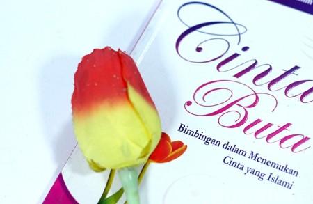 Buku Cinta Buta