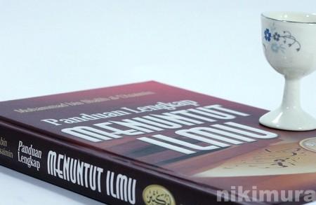 Buku Panduan Lengkap Menuntut Ilmu