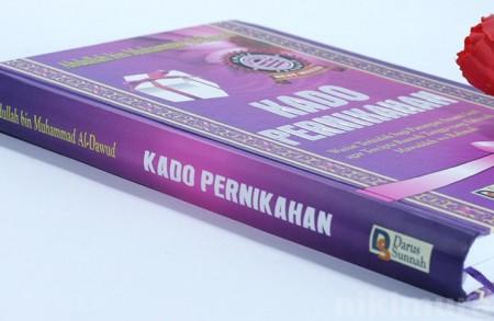Buku Sebuah Kado Pernikahan