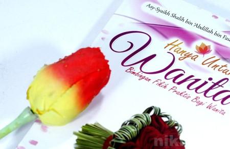 Buku Islam Bimbingan Fikih Praktis Bagi Wanita