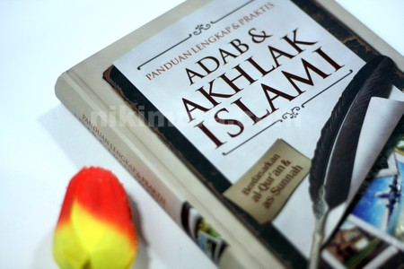 Buku Adab & Akhlak Islami04