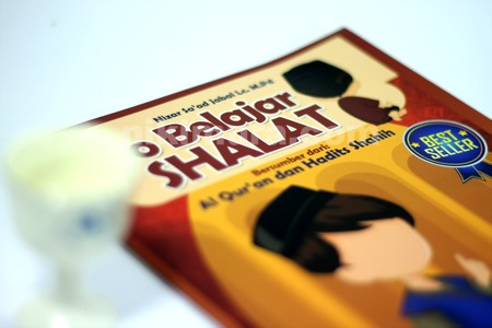 Buku Ayo Belajar Sholat03