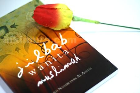 Buku Jilbab Wanita Muslimah04