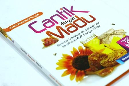 Buku Cantik Dengan Madu03