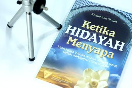 Buku Ketika Hidayah Menyapa03