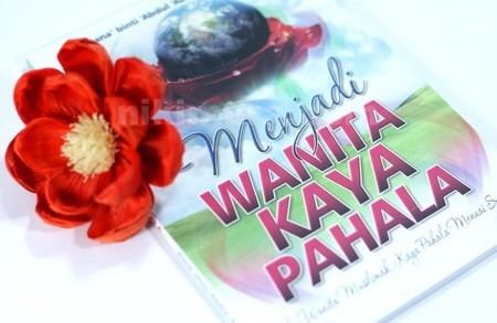 Buku Menjadi Wanita Kaya Pahala