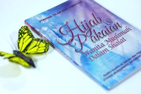 Buku Pakaian Dalam Shalat03